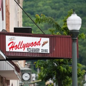 Hollywood Pizza and Bakery